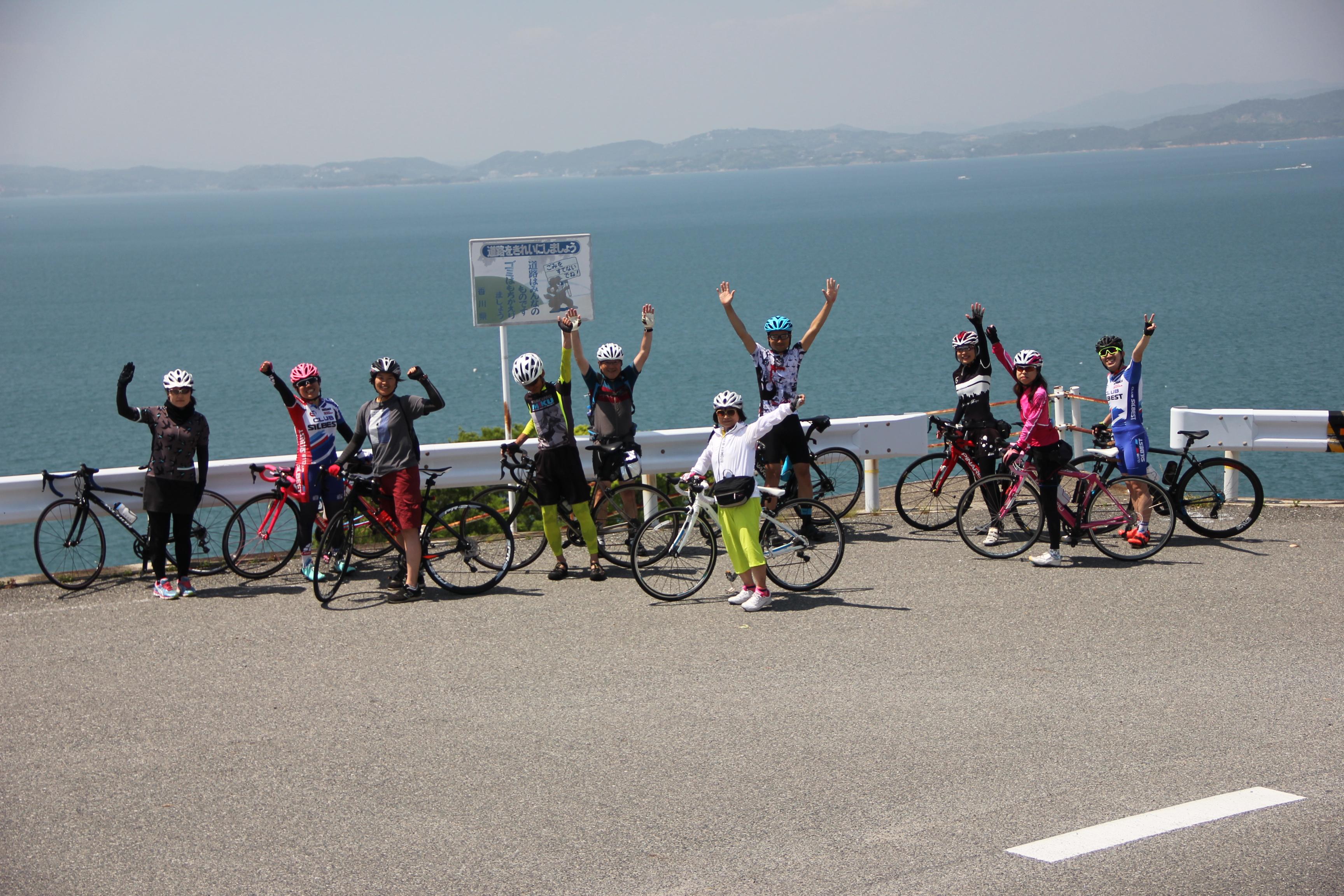 ▲土庄町(香川県)の地域おこし協力隊が企画した「小豆島一周サイクリング」
